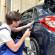 Kraftfahrzeuge mit einem Dampfreiniger reinigen und pflegen